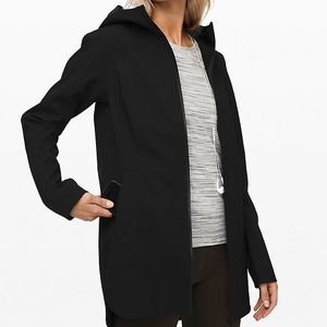 Lululemon glyde along water resistant jacket